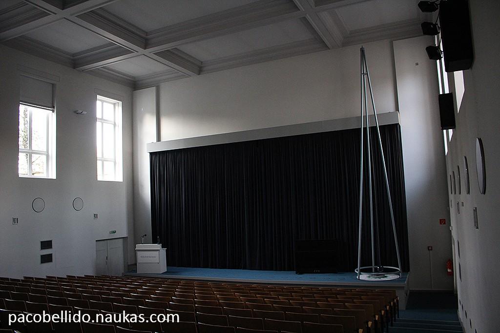 Detalle de la sala, con un péndulo de Foucault. Foto: © Lola Vázquez