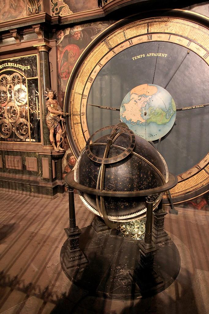 Detalle del globo celeste. Foto: © Lola Vázquez