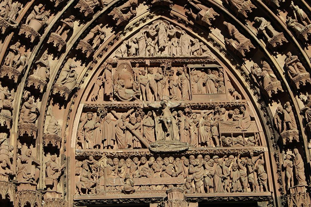 Pórtico central de la catedral de Estrasburgo. © Lola Vázquez