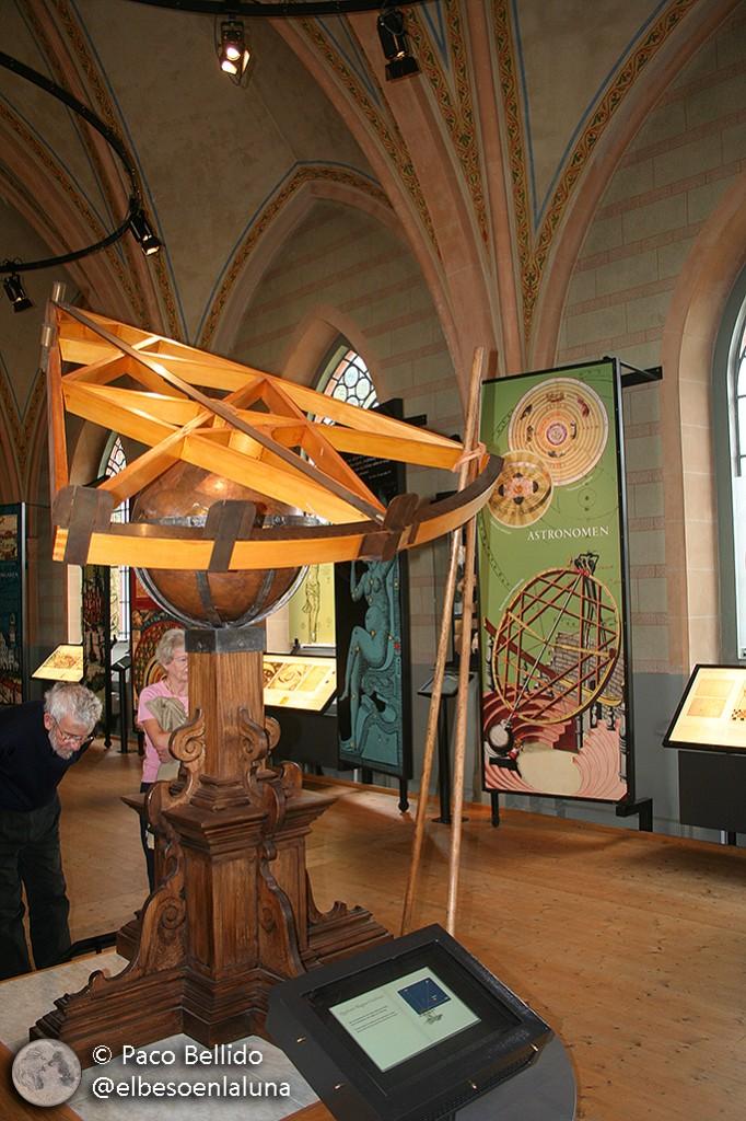 Una de las réplicas de aparatos astronómicos del Museo de Tycho Brahe en la isla de Ven. Foto: Paco Bellido