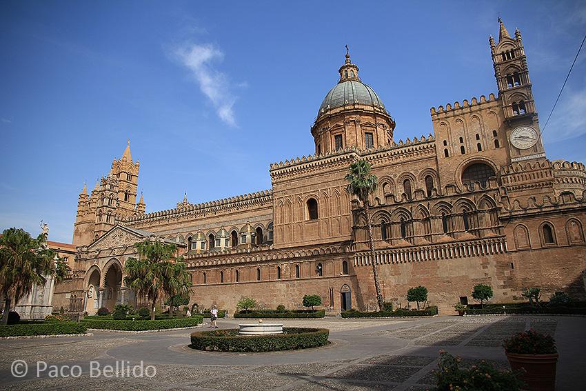 Exterior de la catedral de Palermo. Foto: Paco Bellido