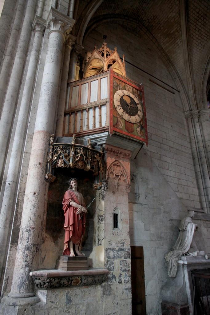 Reloj astronómico del siglo XIV