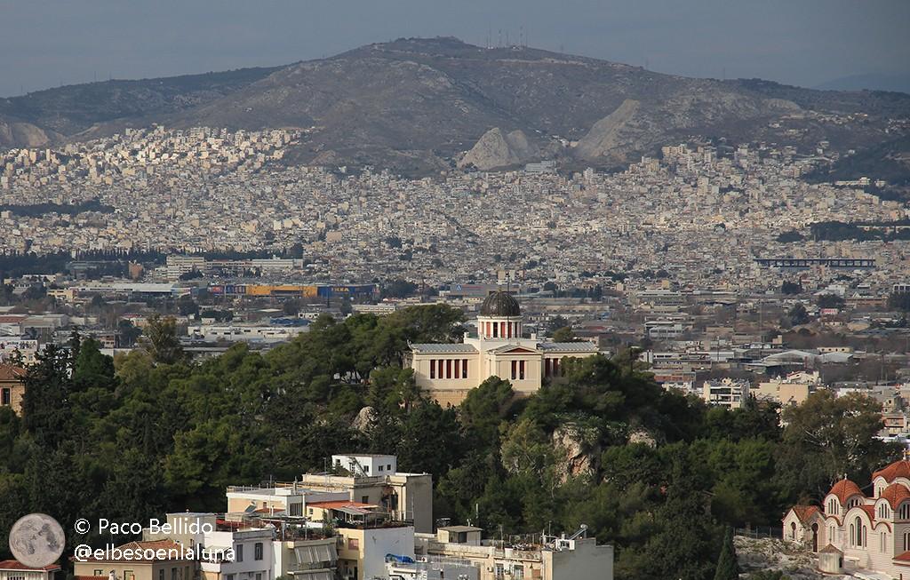 Vista del Observatorio Nacional de Atenas desde la Acrópolis. Foto: © Lola Vázquez