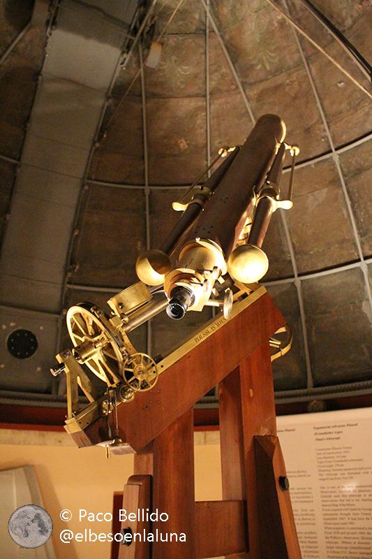 Telescopio refractor fabricado por Plössl con el que Julius Schmidt creó su famoso mapa lunar. Foto: © Lola Vázquez