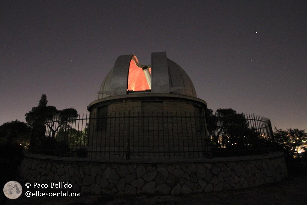 Cúpula de ocho metros que protege el refractor Dorides de 40 cm. Foto: © Lola Vázquez