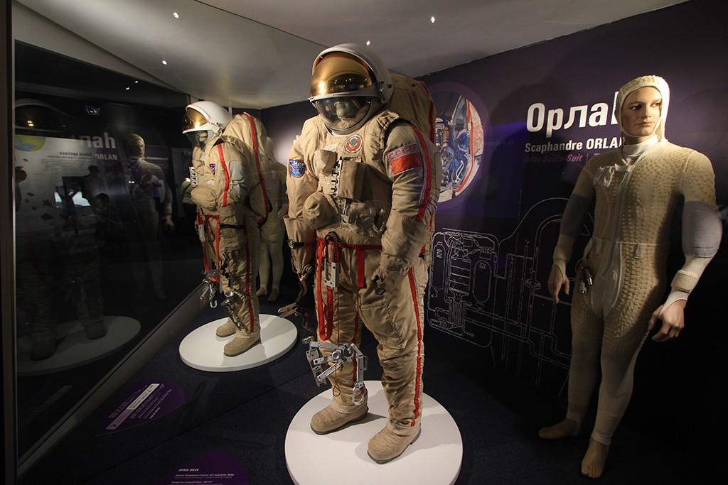 escafandra Orlan, uno de los objetos expuestos en la exposición Astronautas. Foto: © Lola Vázquez