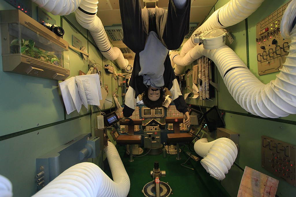 Exposición en el interior de la réplica de la Estación Espacial Mir. Foto: © Lola Vázquez