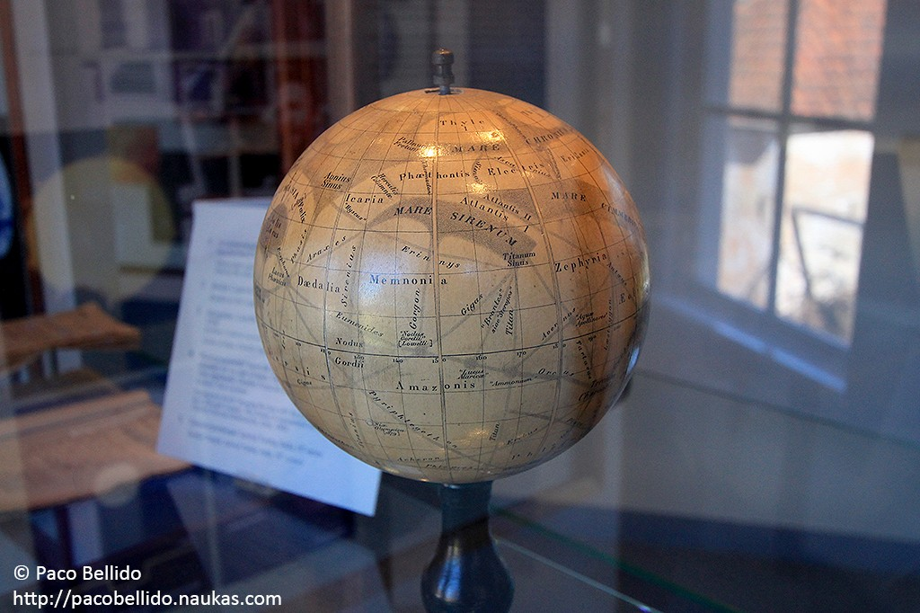 Detalle del globo marciano de Camille Flammarion. Fotografía: © Lola Vázquez