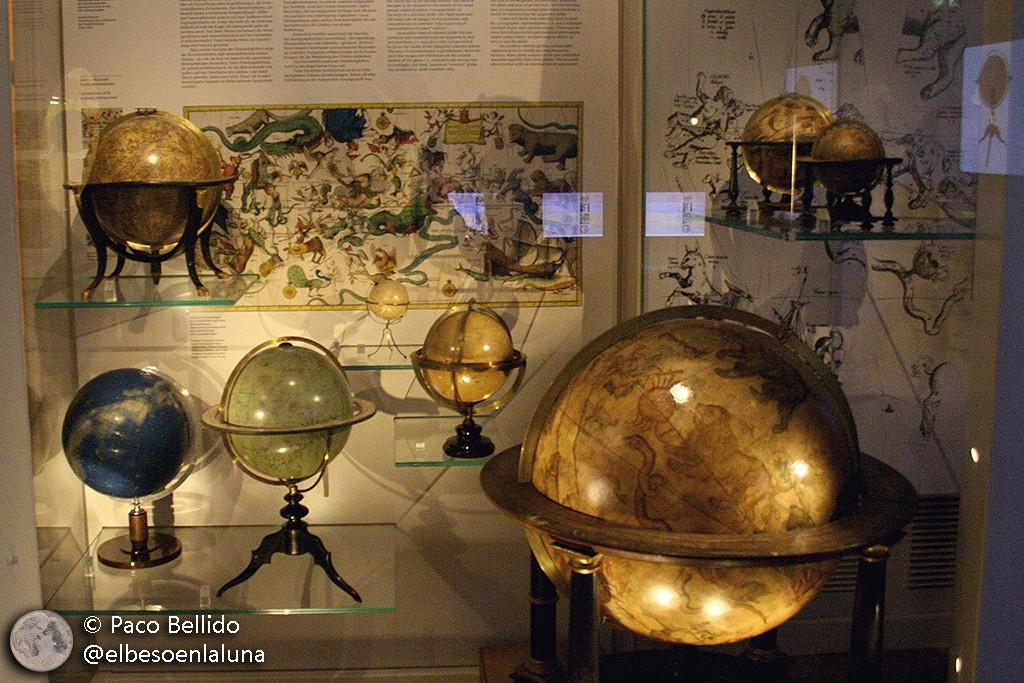 Globos celestes del Globenmuseum de Viena. Foto: © Paco Bellido