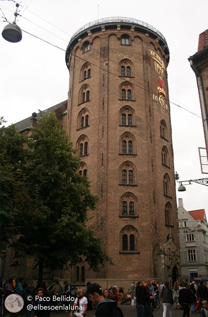 Vista exterior de la Rundetaarn. Foto: Paco Bellido