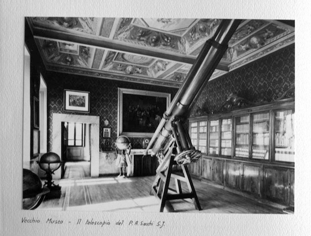 El telescopio Merz del Collegio Romano expuesto en el Museo Astronomico e Copernicano