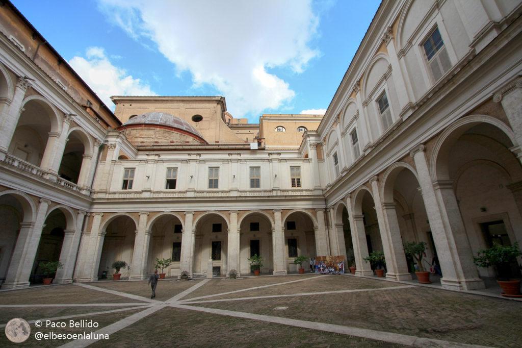 Patio del Collegio Romano